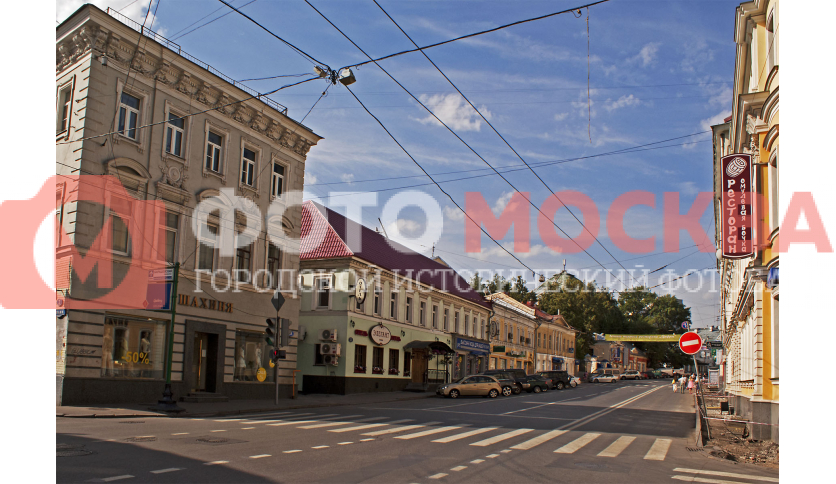 На улице Покровка