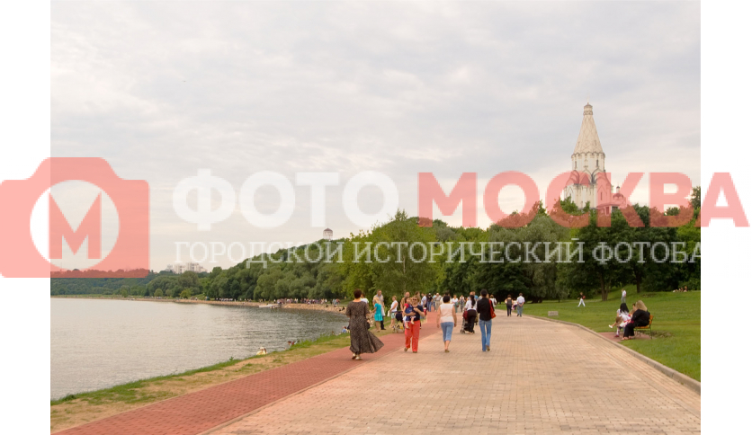 Набережная Москвы-реки в государственном музее - заповеднике