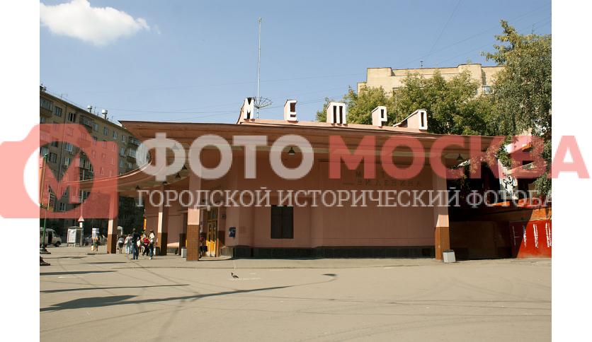 Станция метро Красносельская