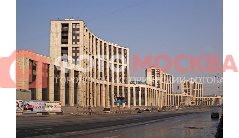 Здания банков на проспекте Академика Сахарова