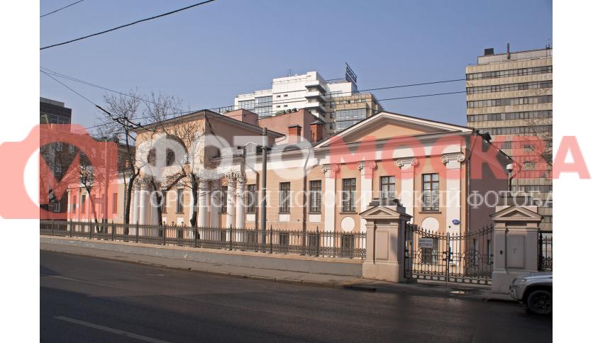 Бывшая усадьба А. И. Лобанова-Ростовского