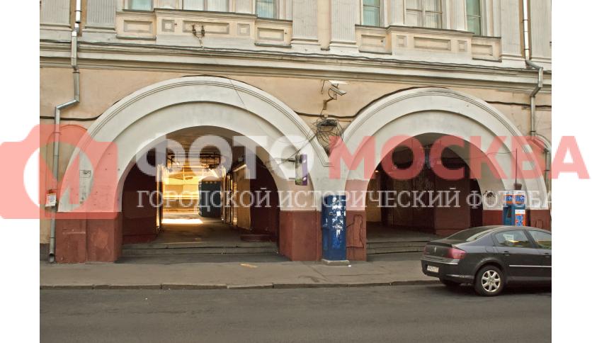 Проход к станции метро Кузнецкий мост