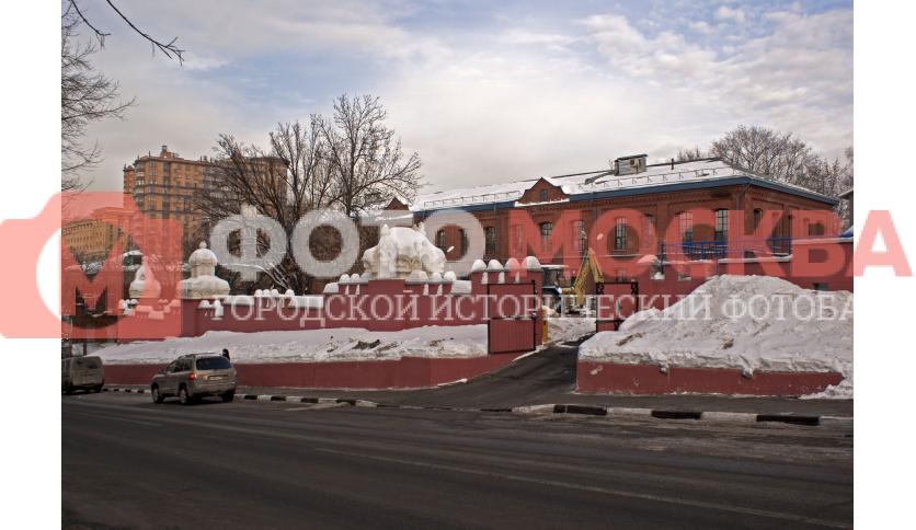 Изысканная ограда на улице Самокатной