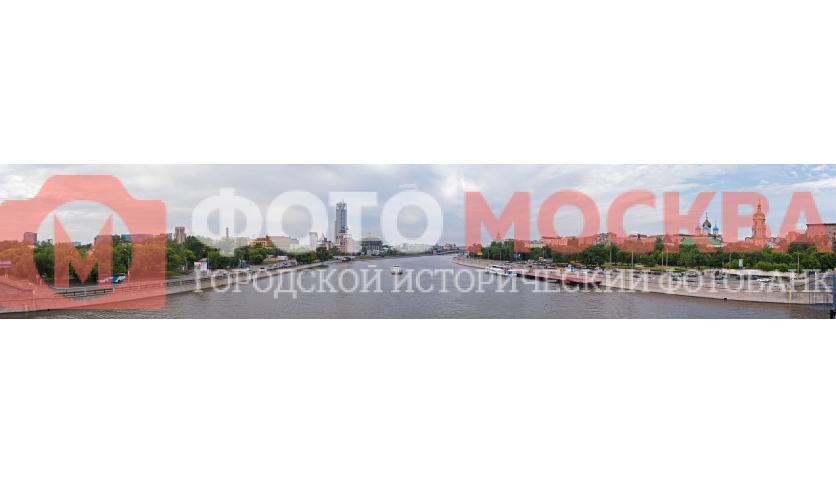Москва-река. Вид с Новоспасского моста