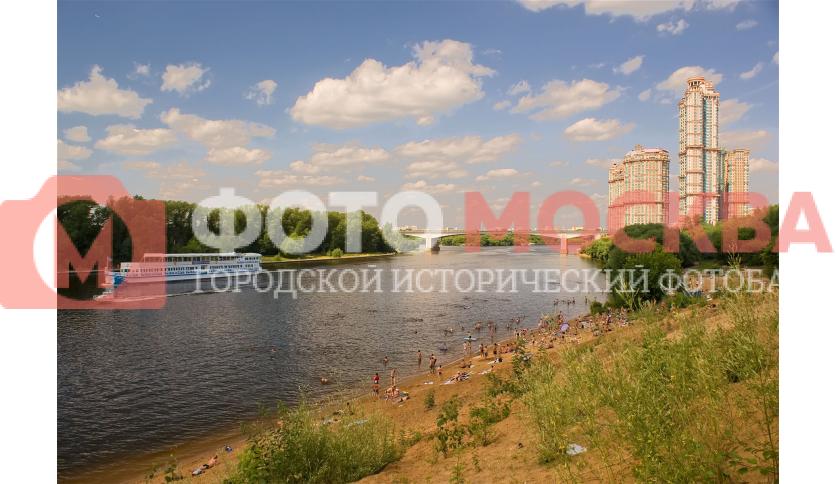 Пляж у Строгинского моста