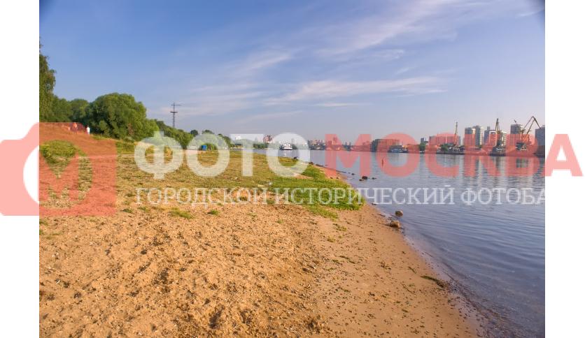 Пляж в парке