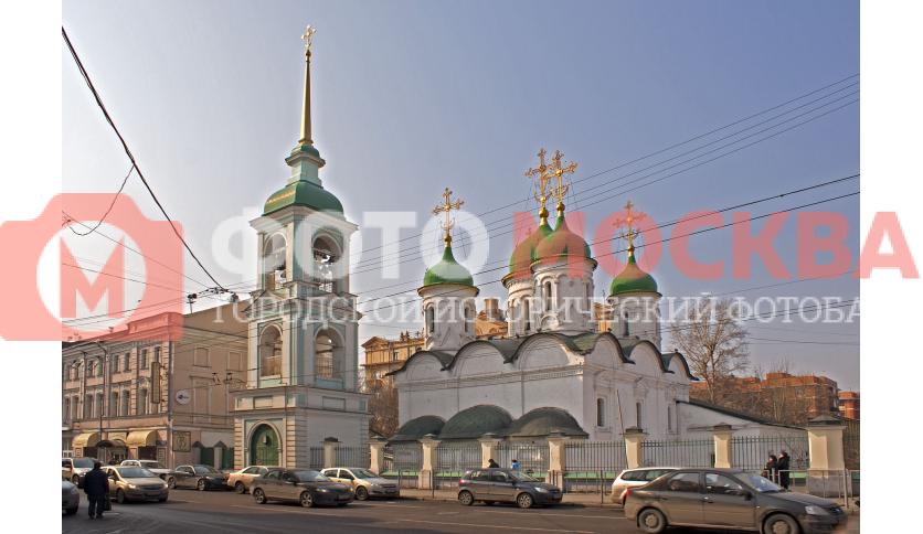 Храм Троицы Живоначальной в Листах