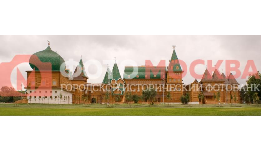 Царский Деревянный дворец в Коломенском. Восстановлен на территории бывшей деревни Дьяково-Городище.