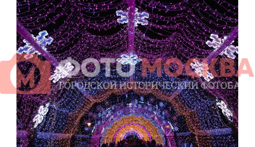 Новогодний туннель на Тверском бульваре
