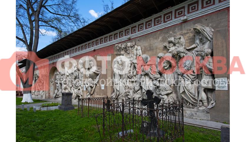 Горельефы в Донском монастыре