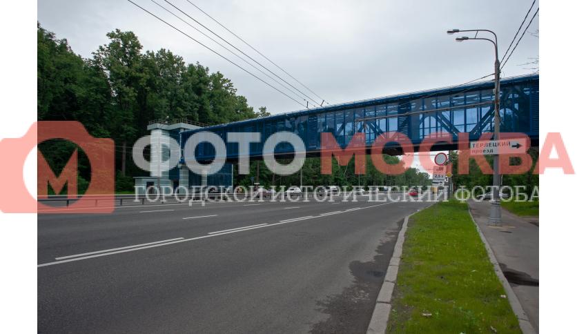 Мост через шоссе Энтузиастов