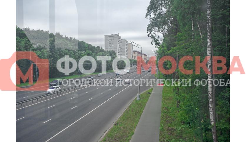 Вид на шоссе Энтузиастов с моста