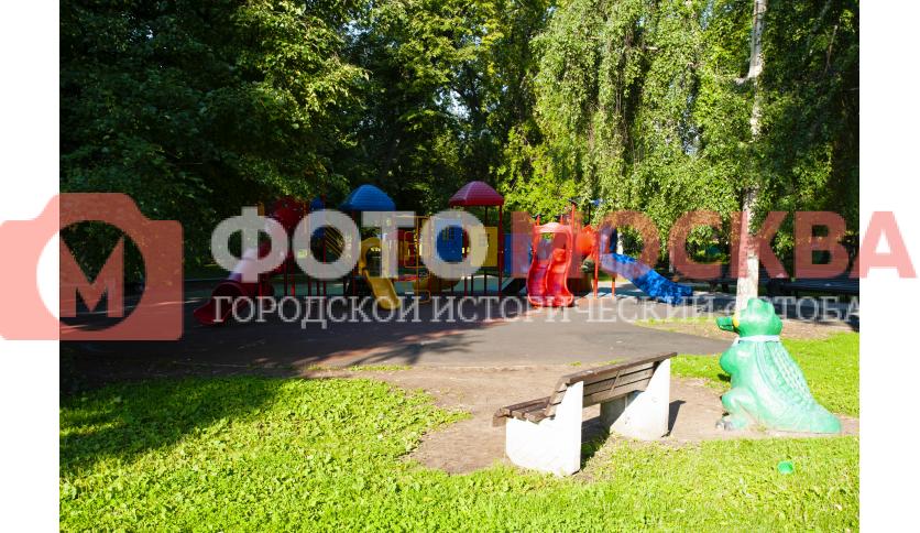 Детская площадка в Екатерининском парке