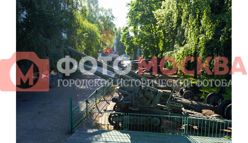Площадка с советским артиллерийским вооружением
