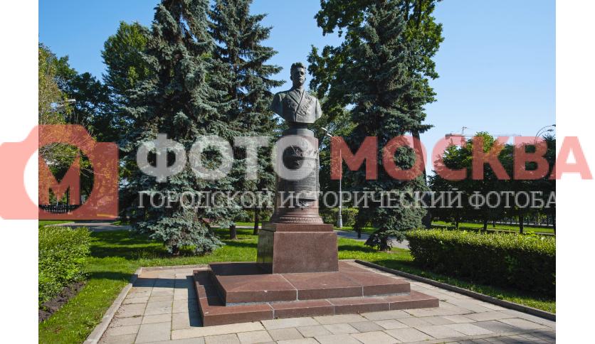 Памятник Попкову В.И.