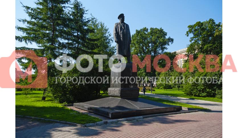 Памятник Ф.И. Толбухину