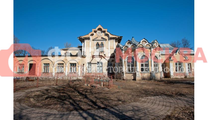 Лицевой фасад дома усадьбы Алтуфьево