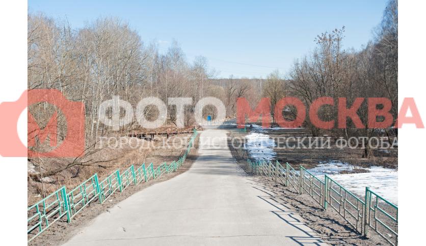 Дорога, ведущая в Лианозовский лесопитомник