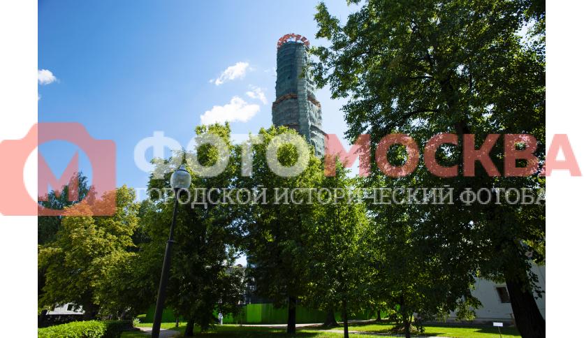 Колокольня в Новодевичьем монастыре