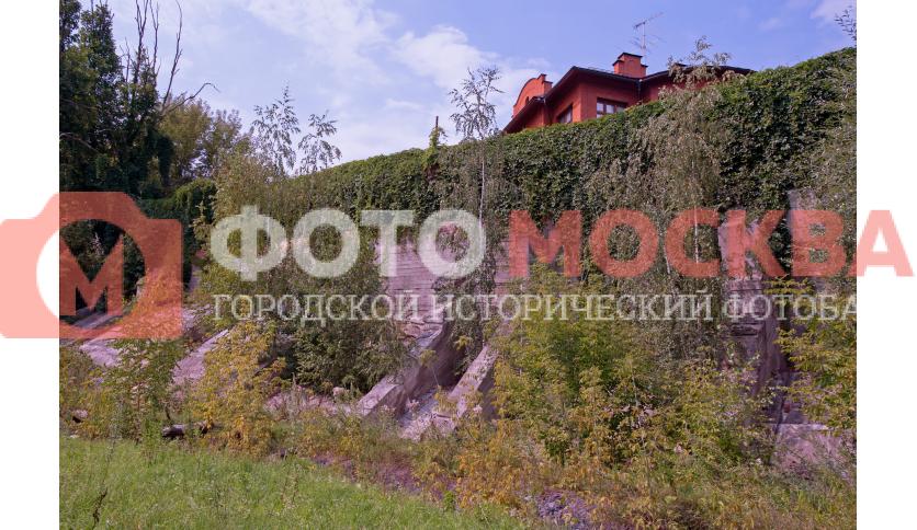Стена посёлка «Рублёво»