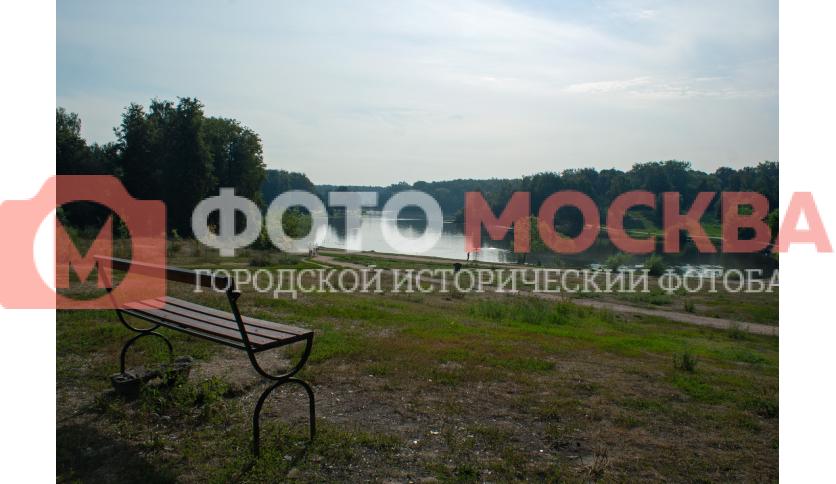 Скамейка у Шибаевского пруда