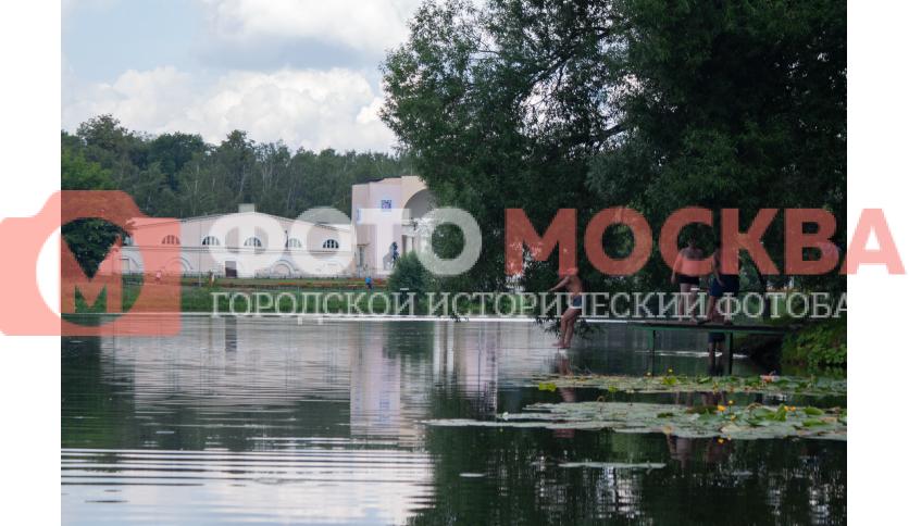Пирс на Верхнем Кузьминском пруду