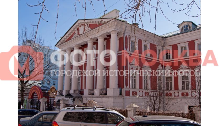 Дом XVIII–XIX вв. с палатами XVII века