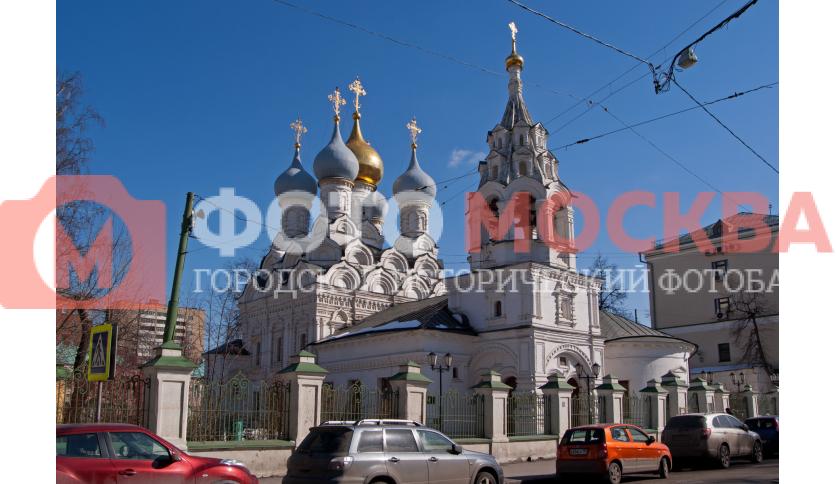 Вид на никольскую церковь