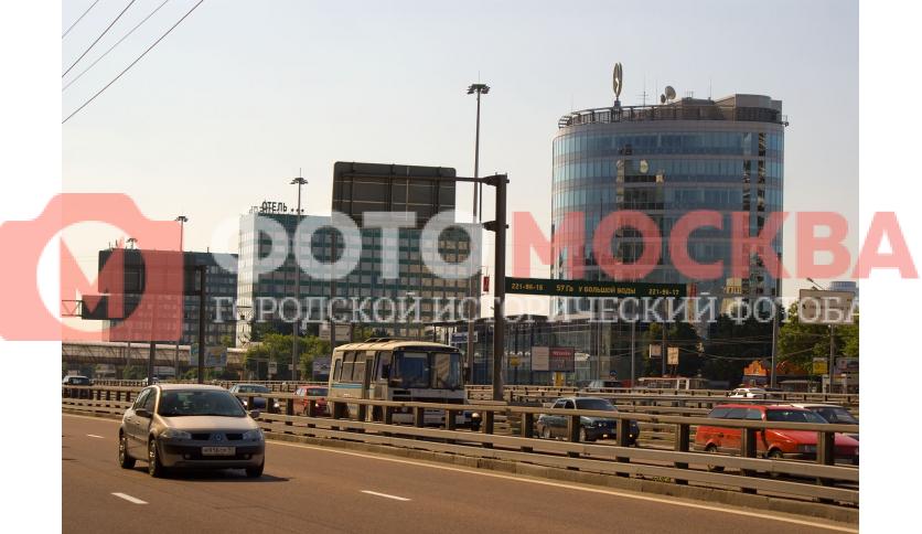 Ленинградский проспект и Мерседес-Бенц центр