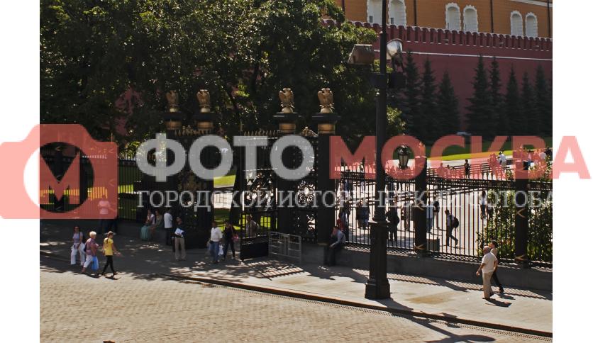 Ворота в Александровский сад