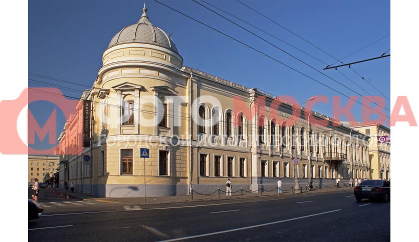 Дом Болконских - родственников Л.Н. Толстого, из романа «Война и мир»