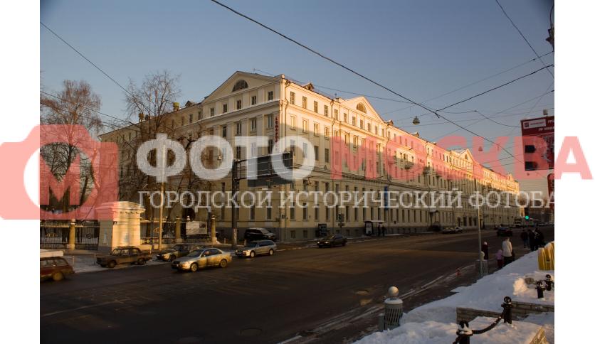 Красные казармы, служебные корпуса Екатерининского дворца