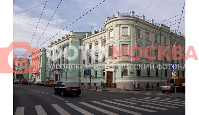 Бывшее здание учительского института на Большой Полянке