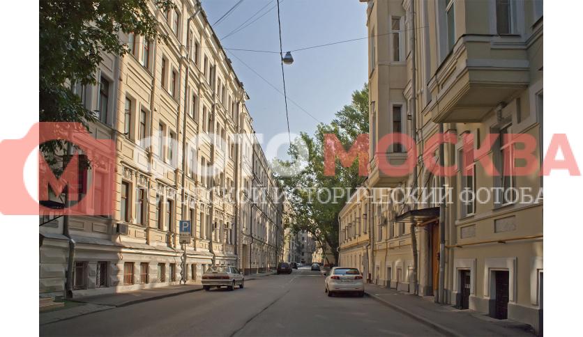 Кривоколенный переулок