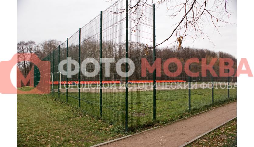 Футбольная площадка в Терлецком лесопарке