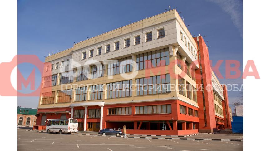 Новое здание в бизнес-квартале