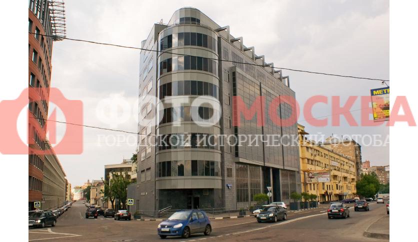 Офисное здание на углу улиц Садовнической и Нижней Краснохолмской