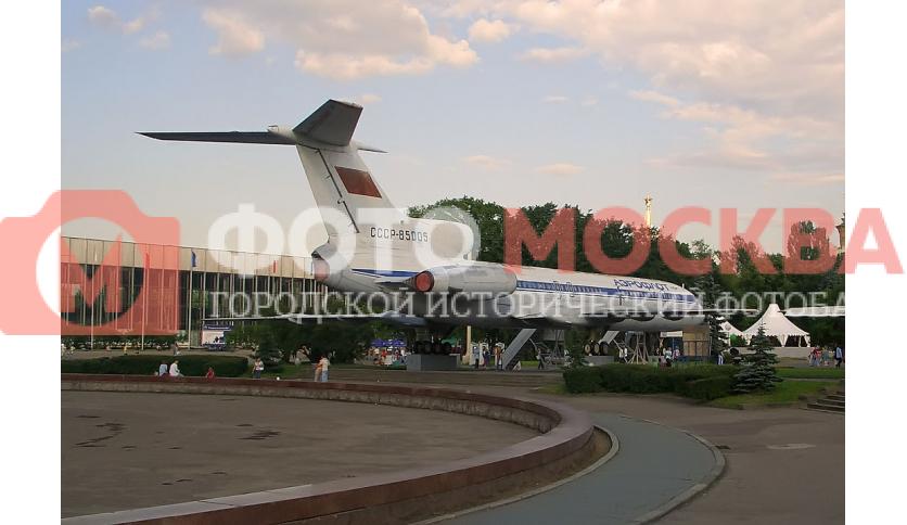 Самолет ТУ-154 на ВВЦ